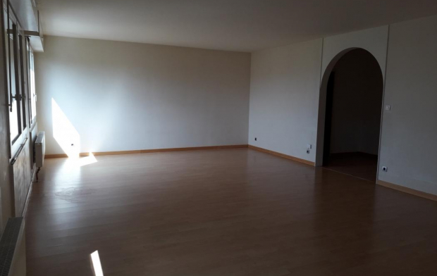 Annonces STROYES Appartement | TROYES (10000) | 110 m2 | 735 €