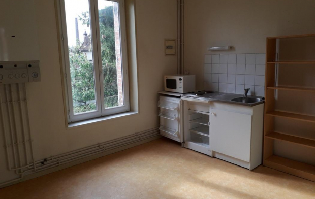 Annonces STROYES Appartement | TROYES (10000) | 28 m2 | 370 €