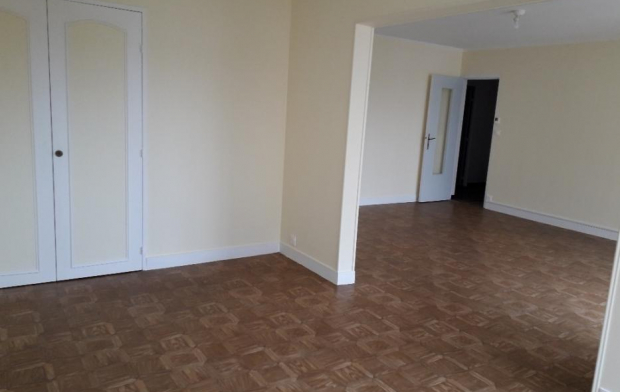 Annonces STROYES Appartement | TROYES (10000) | 75 m2 | 780 €